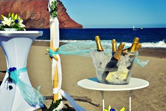 blue-champagne-beach-wedding