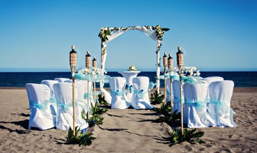 blue-beach-wedding