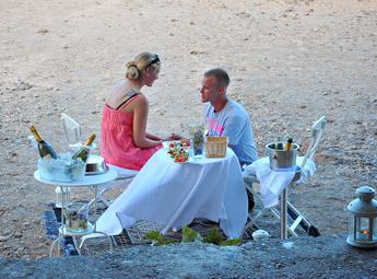 hidden-photos-marriage-proposal