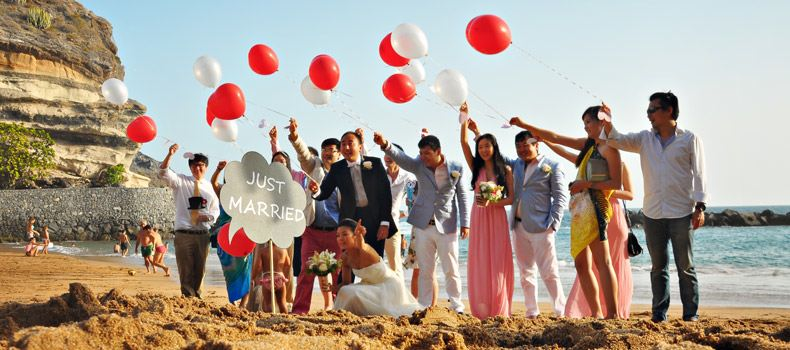 just-married-tenerife-balloons