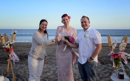 tenerife wedding planner with the couple