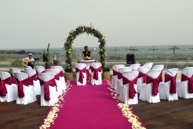 Amazing Beachfront Wedding With Colour Theme