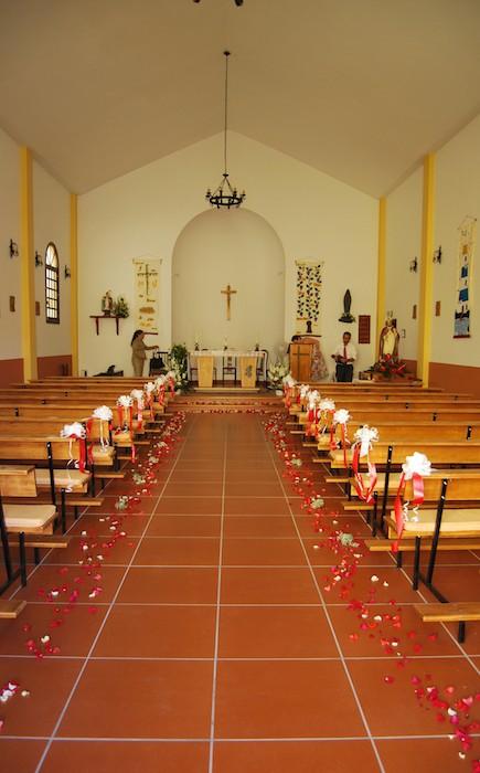 Wunderbare kirchiche Trauung (1)