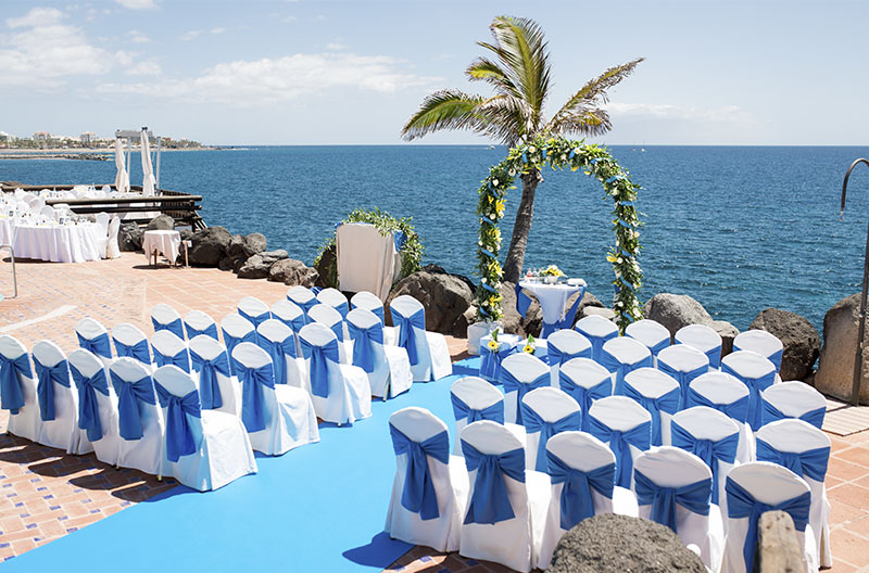 Beautiful Wedding Decoration With A Blue Colored Theme