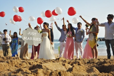 A dream wedding in Tenerife on the beach with lots of sunshine and happiness