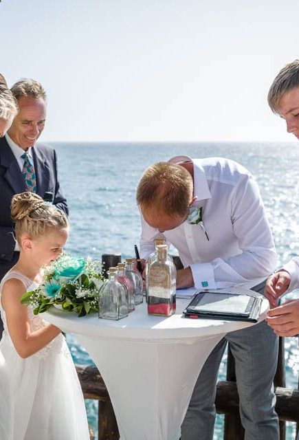 our-top-venue-7-beach-wedding-on-a-beautiful-balcony (22)