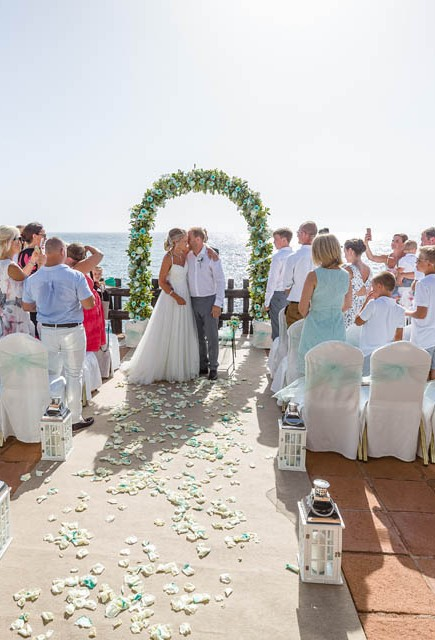 our-top-venue-7-beach-wedding-on-a-beautiful-balcony (26)