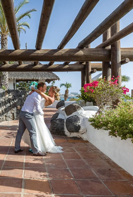 our-top-venue-7-beach-wedding-on-a-beautiful-balcony (44)