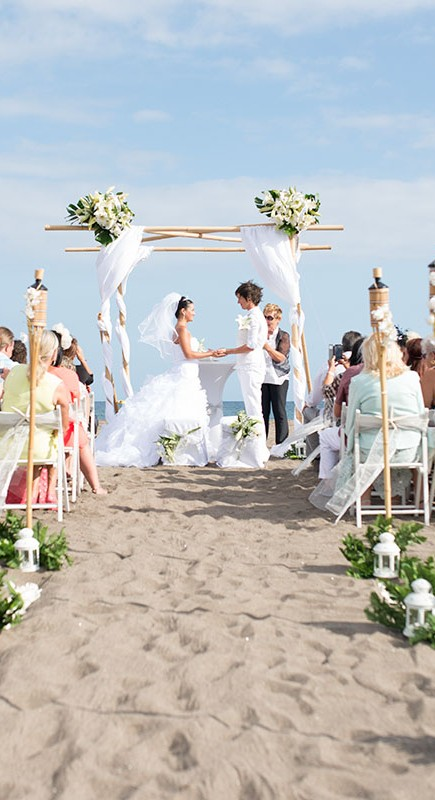 stunning-beach-wedding-with-bamboo-set-up-in-tenerife_11