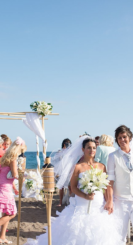 stunning-beach-wedding-with-bamboo-set-up-in-tenerife_15