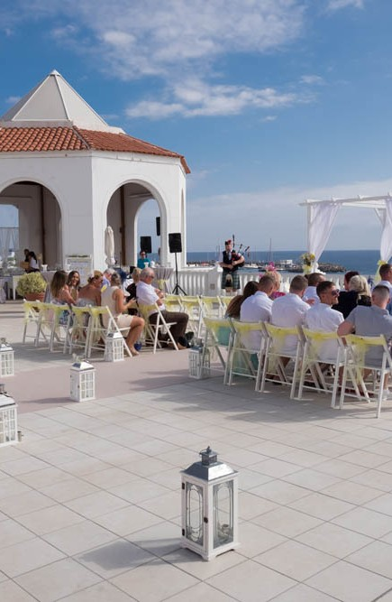 top-venue-10-wedding-with-yellow decoration-over-nice-and-wide-terrace (24)