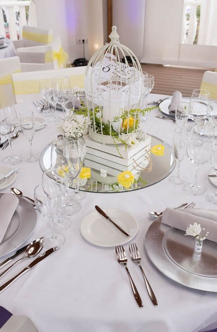 top-venue-10-wedding-with-yellow decoration-over-nice-and-wide-terrace (7)