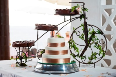 The Wedding Cake Is A Symbol Of Fertility Traditionally It Was Made Flour Honey Almonds And Condiments Modern More Unique