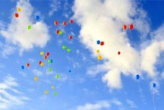 beach-wedding-balloons