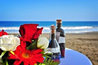 roses-on-beach-wedding