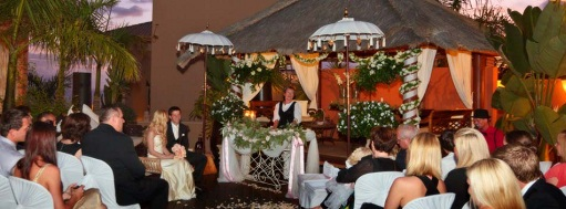 Romantic-Venues-beachfront-wedding-vows-in Spain-canary-islands-dream-wedding-marriage-celebrant-weddingplanner